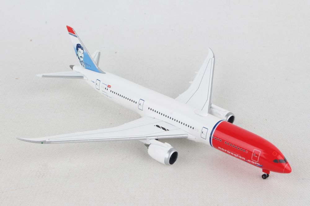 Herpa Wings Norwegian Boeing 787-9 Dreamliner Freddie Mercury 611503-002 Snap Fi