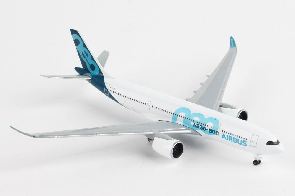 NG Model 1:400 Thai Airways A330-300  /& Herpa Wings Catalogue