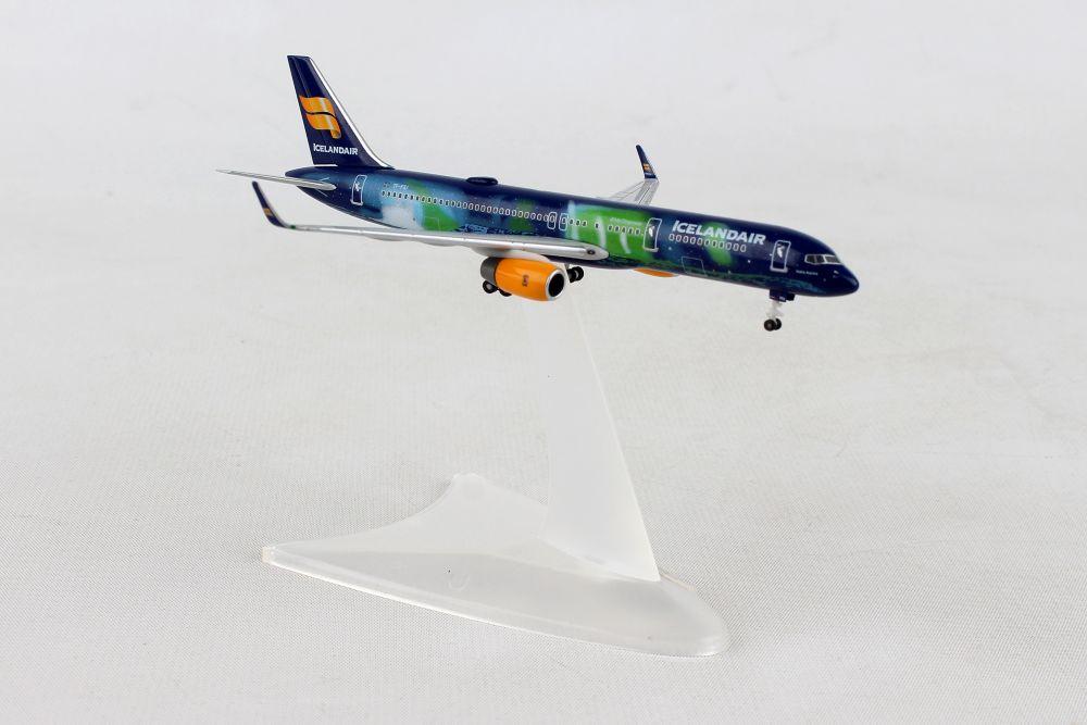 HERPA WINGS CONDOR RIZZI BIRD 757-200 1:500 SCALE DIECAST METAL MODEL