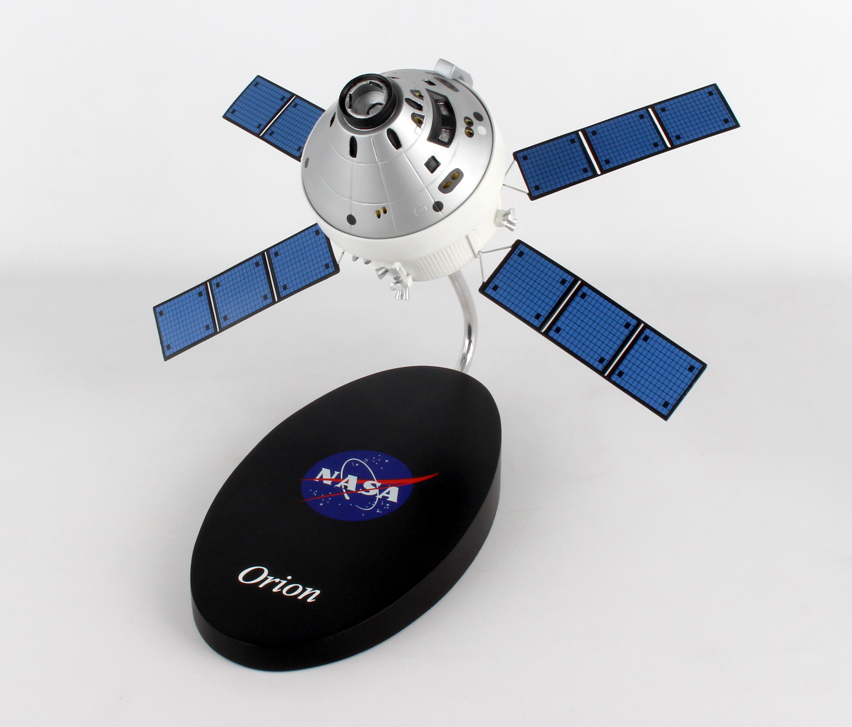 "E82048 - ""exec Ser Orion Spacecraft 1/48 (kynotr)"""