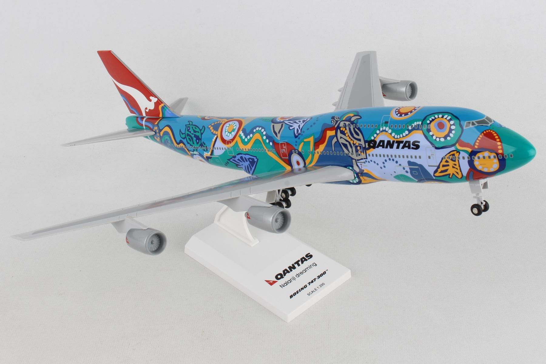 "SKR086 - ""skymarks Qantas Nalanji Dreaming 747-300 W/gear 1/200"""